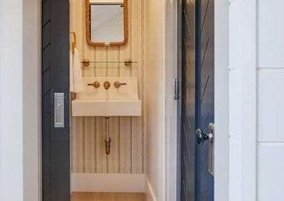 bathroom of Nantucket 2 bedroom Rental Home HarborviewCynthia